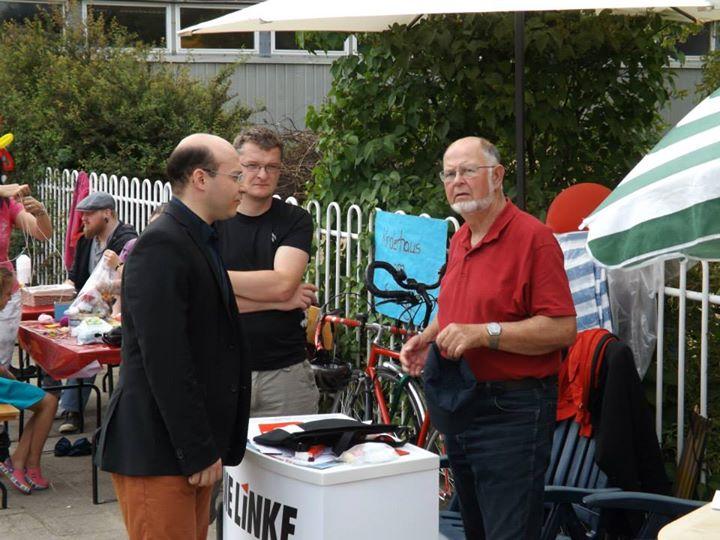 Infostand der Partei DIE LINKE auf dem Stadtteilfest in Süd. v.l.nr.: René Wilke, Jan Augustyniak, Dr. Frank Mende. c/p Peter Gudlowski